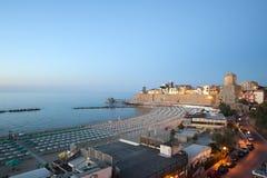 Termoli (Molise, Italie) - la plage à la soirée Photographie stock