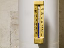 Termometer i flödet Royaltyfri Bild