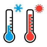 Termometer i röda och blåa färger för varmt och kallt väder med snöflinga- och solsymboler vektor vektor illustrationer