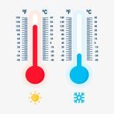 Termometerutrustning som visar varmt eller kallt väder Fotografering för Bildbyråer