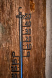 Termometro d'annata Celsius 20 gradi di livello del blu Fotografie Stock Libere da Diritti