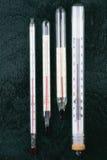 Termometro per la misurazione della temperatura ambiente Immagine Stock
