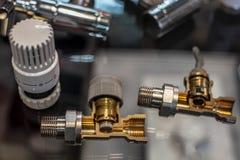 Termostat för handtagkontrollvärmeapparat Närbild i avsnitt För element royaltyfri foto