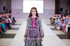 TERNOPIL УКРАИНА - 17-ОЕ МАЯ: Неделя моды Podolyany 17-ое мая 2015 Стоковая Фотография