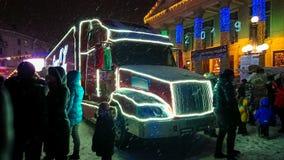 Ternopil, de Oekraïne - Januari 5, 2019: Coca-Cola-de bezoeken Ternopil van de Kerstmisvrachtwagen royalty-vrije stock afbeelding