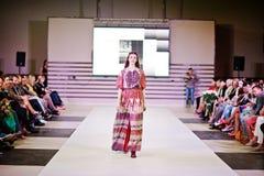 TERNOPIL UCRANIA - 17 DE MAYO: Semana de la moda de Podolyany 17 de mayo de 2015 Fotografía de archivo