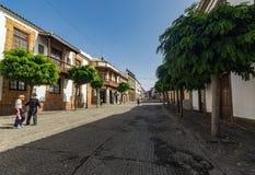 TEROR, GRAN CANARIA, SPANJE - SEPTEMBER 21, 2015: Weergeven van zeer comfortabele straat in het historische centrum Oude huizen,  stock fotografie