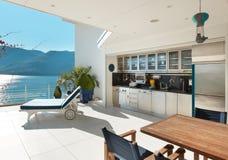 Terraço bonito de uma sótão de luxo Foto de Stock Royalty Free