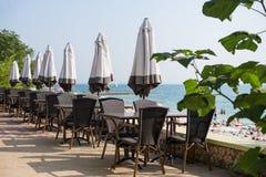 Terraço da opinião do mar do hotel de luxo imagem de stock royalty free