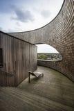 Terraço de madeira com opinião da cidade Foto de Stock Royalty Free