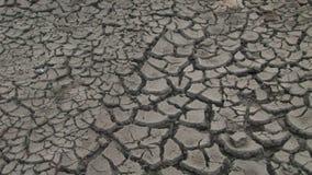Terra arida dopo la siccità archivi video