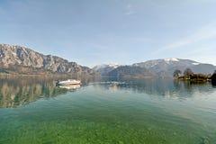 Terra Austria di Salzburger: Vista sopra il lago Attersee - alpi austriache Fotografia Stock