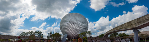 Terra da nave espacial no centro de Epcot em Orlando Florida Fotos de Stock Royalty Free