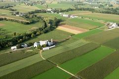 Terra de exploração agrícola de cima de Fotografia de Stock