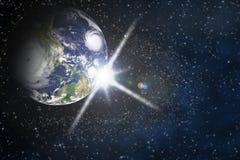Terra del pianeta con il chiarore nello spazio Immagini Stock Libere da Diritti