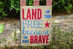 Terra dell'insegna libera Immagini Stock Libere da Diritti