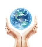 Terra della holding della mano Immagine Stock Libera da Diritti