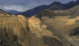Terra della luna di Lamayuru Leh, India Immagini Stock