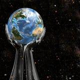 Terra della stretta delle mani nello spazio Immagini Stock Libere da Diritti