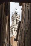 Terra di Siena, Torre del Mangia (Palazzo Pubblico) alla piazza del Campo, Toscana, Italia, Immagini Stock