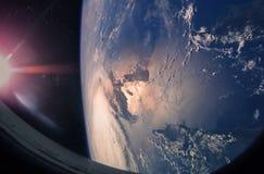 Terra e furacão do planeta do espaço fotografia de stock