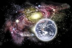 Terra e galáxia do planeta no fundo Imagens de Stock
