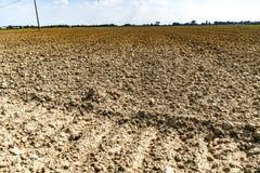 Terra estéril e da seca foto de stock