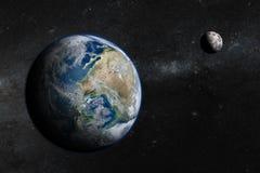 Terra no espaço com lua bonita Fotos de Stock Royalty Free