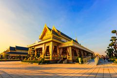 Terra real da cremação para o rei Of Thailand da passagem colocado em Sanam Luang, Banguecoque, TAILÂNDIA imagens de stock