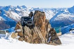 Terra Rover Defender do espectro do filme de James Bond fotos de stock royalty free