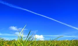 A terra sob o céu. Imagens de Stock Royalty Free