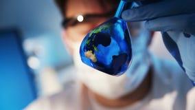 Terra in una bottiglia archivi video
