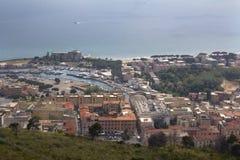 Terracina, Λάτσιο, Ιταλία από το υποστήριγμα Άγιος Angelo Στοκ εικόνα με δικαίωμα ελεύθερης χρήσης