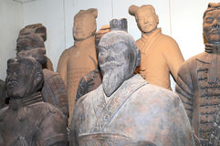 Terracotta army statues at a market stall for sale, Xian (Sian) Stock Photography
