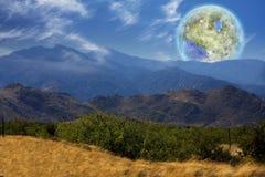 Terraformedmaan Mening van de aarde Royalty-vrije Stock Foto's