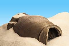 Terraglie antiche nel deserto Fotografia Stock Libera da Diritti