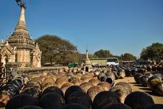 Terraglie in Bagan: Terraglie del Myanmar Fotografie Stock