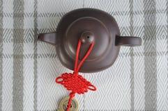 Terraglie cinesi del tè e decorazione tradizionale Immagine Stock