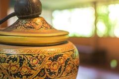 Terraglie tailandesi gli artigianato tradizionali del vaso di argilla fotografia stock libera da diritti