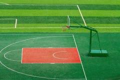 Terrain de basket extérieur photographie stock libre de droits