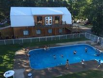 Terrain de camping de piscine de voyage Photo libre de droits