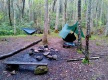 Terrain de camping près de correction maximum--Traînée appalachienne photos stock