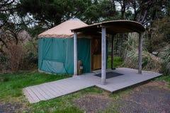 Terrain de camping Yurt sur la côte de l'Orégon Photo stock