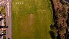 Terrain de football aérien image libre de droits