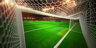 Terrain de football d'arène de stade de nuit Image stock