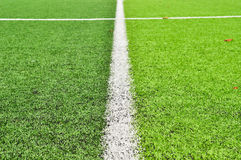 Terrain de football dans un stade Photographie stock libre de droits