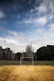 Terrain de football en stationnement Photographie stock libre de droits
