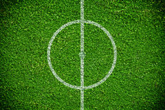Terrain de football naturel d'herbe verte Photographie stock