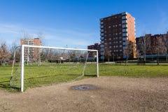 Terrain de football public Photographie stock libre de droits