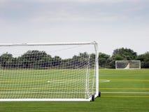 Terrain de football vide Photographie stock libre de droits